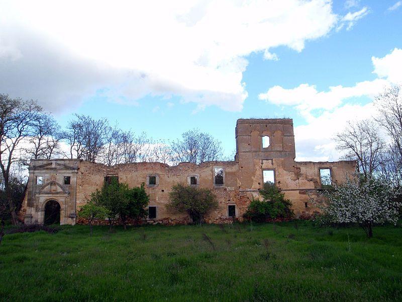 Resultado de imagen de monasterio de Santa María de Nogales,