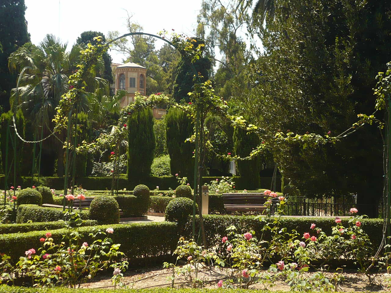 Jardines de monforte lista roja del patrimonio for Casa con jardin valencia