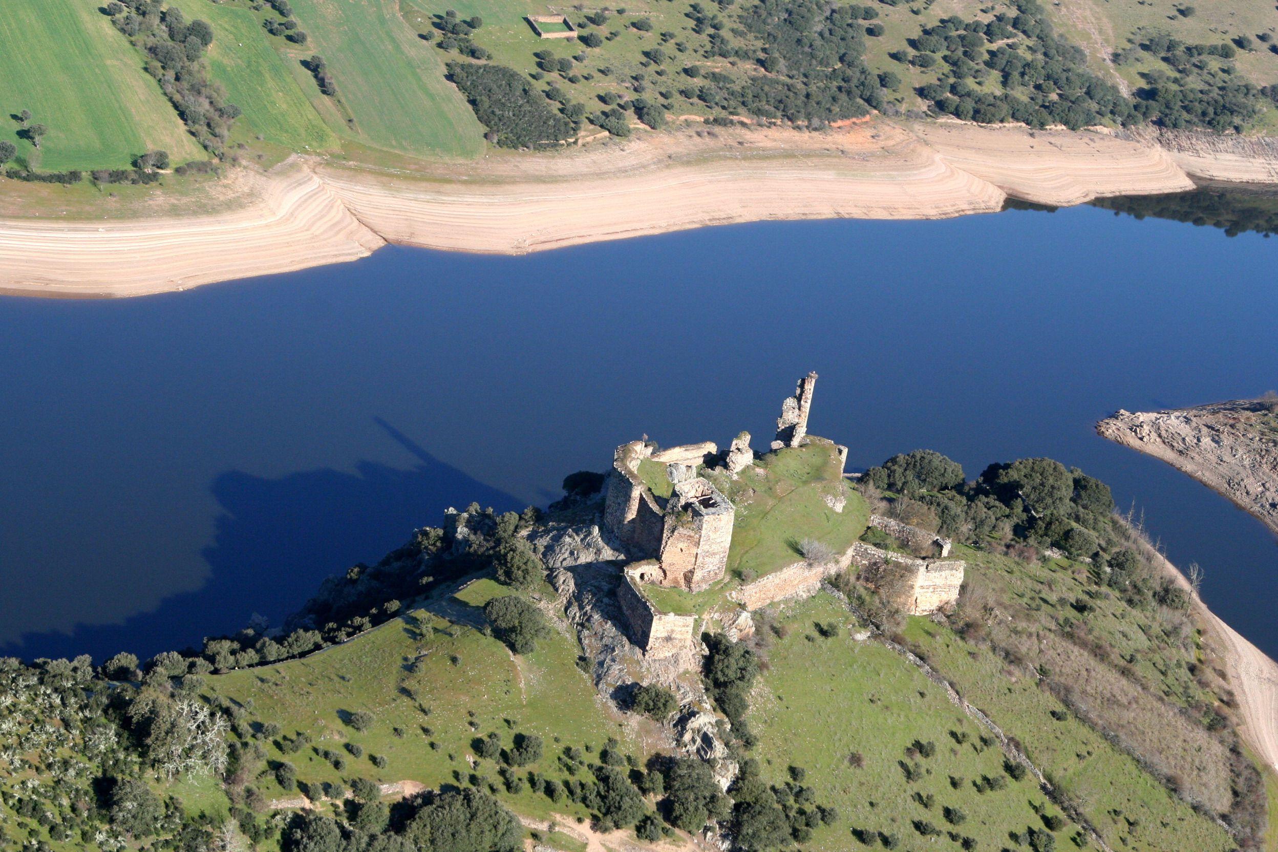 Resultado de imagen de castillo alba de aliste